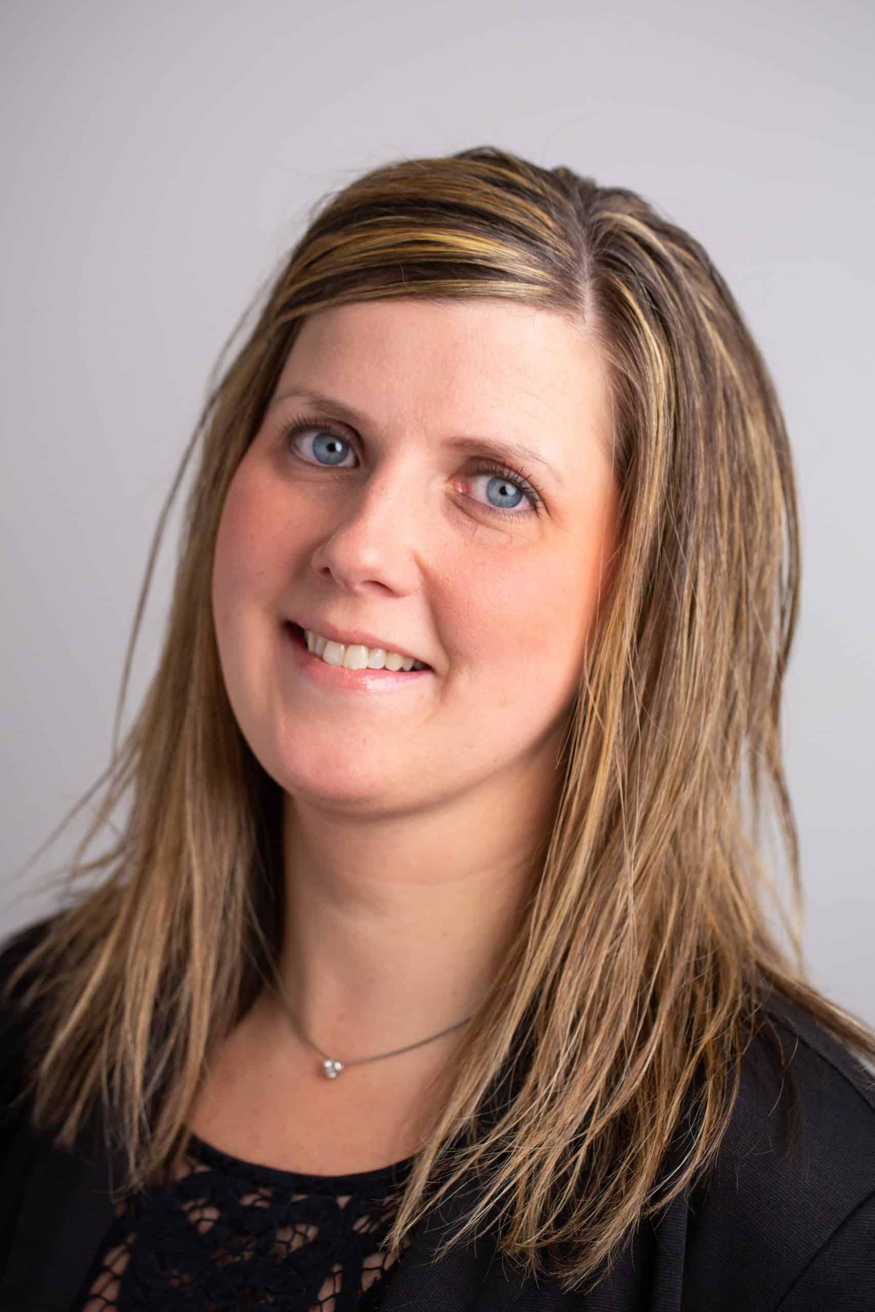 headshot of Dawn Myra